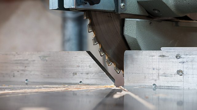 7 Best Miter Saw Blades: In-depth Reviews for 2019